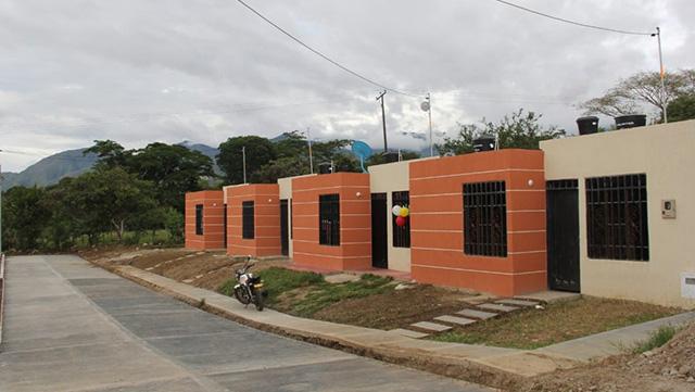 154 familias de Gigante cumplen su sueño de tener casa propia