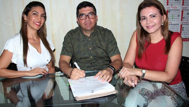 Gobernación firmó convenio para remodelar hospital de San Agustín