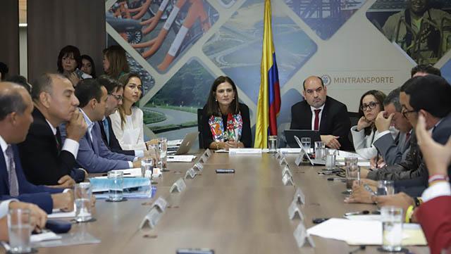 GOBERNADOR DEL HUILA TOMÓ POSESIÓN COMO NUEVO MIEMBRO DE LA JUNTA DIRECTIVA DE CORMAGDALENA.