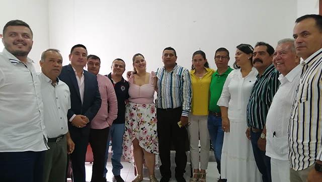 Se posesiona nuevo concejo municipal de Gigante.